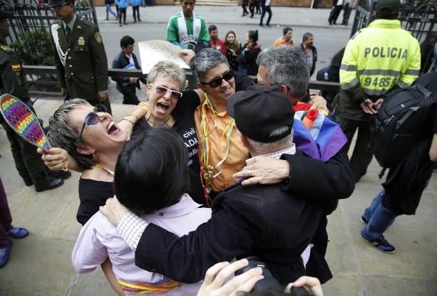 Des partisans du mariage entre personnes de même... (FERNANDO VERGARA, ASSOCIATED PRESS)