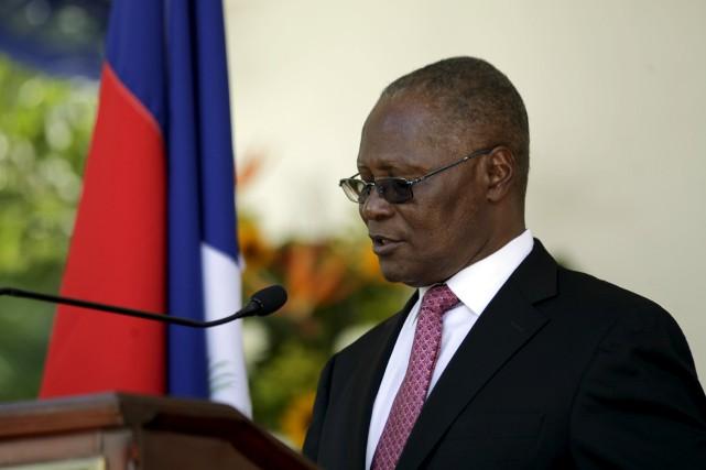 Le président par intérim d'Haïti, Jocelerme Privert.... (PHOTO ANDRES MARTINES CASARES, ARCHIVES REUTERS)