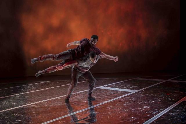 La synergie entre les danseurs de la Company... (Rita Taylor, The Banff Centre)
