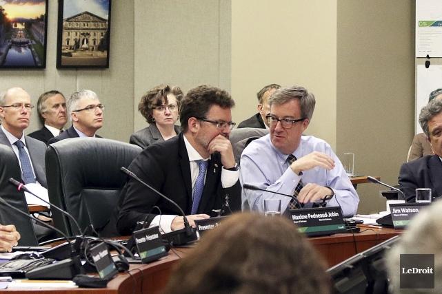 Les maires Pedneaud-Jobin et Watson sont intervenus plusieurs... (Etienne Ranger, LeDroit)
