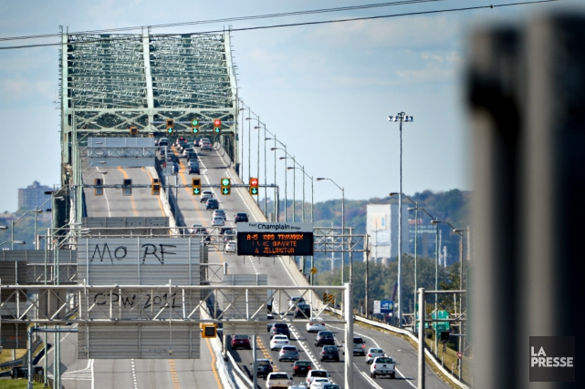 Le pont Champlain sera fermé en fin de semaine en direction de la Rive-Sud, à... (PHOTO BERNARD BRAULT, ARCHIVES LA PRESSE)