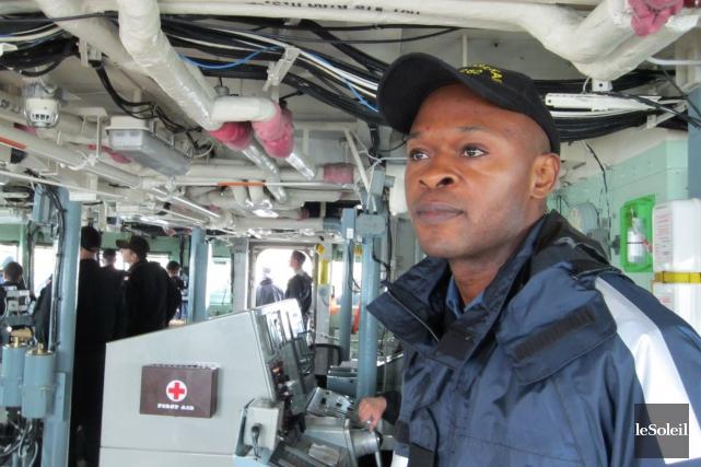 Nsamba Heris Lokombeaimerait maintenant que le Canada ouvre... (Le Soleil, Mylène Moisan)