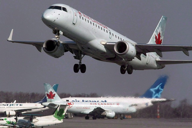 Air Canada et le transporteur à rabais Air... (Photo Andrew Vaughan, archives PC)