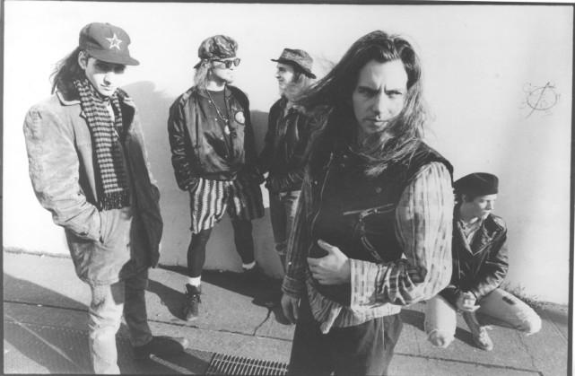 Pearl Jam en 1991 : Stone Gossard, Jeff... (Archives Le Soleil)