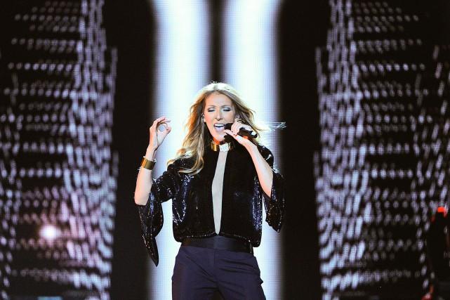 Céline Dion donne un concert sur les plaines... (PHOTO JEAN-MARIE VILLENEUVE, ARCHIVES LE SOLEIL)