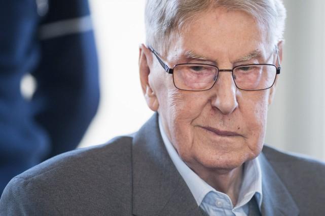Reinhold Hanning, 94ans, est jugé depuis février pour... (photo Bernd Thissen, Archives aFP)