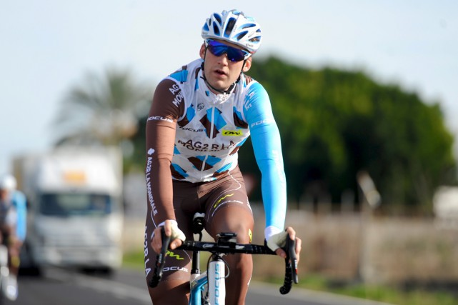 Hugo Houle... (AG2R La Mondiale/Yves Perret)