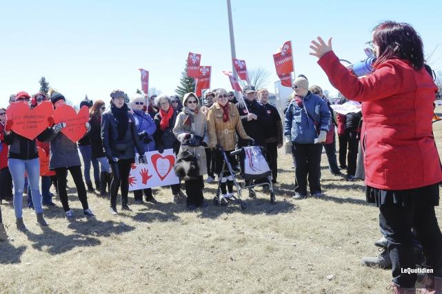 La Coalition Main rouge 02, qui regroupe plusieurs... (Photo Le Quotidien, Gimmmy Desbiens)
