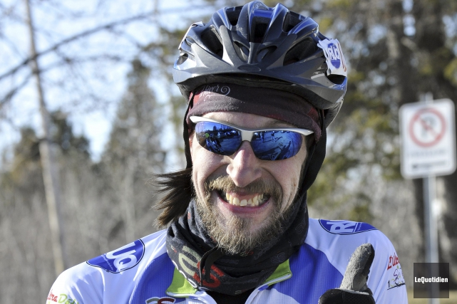 Le cycliste Sylvain Grenier... (Archives Le Quotidien, Rocket Lavoie)