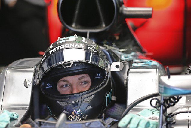 Nico Rosberg a profité des mésaventures de Lewis... (AFP, Yuri Kochetkov)