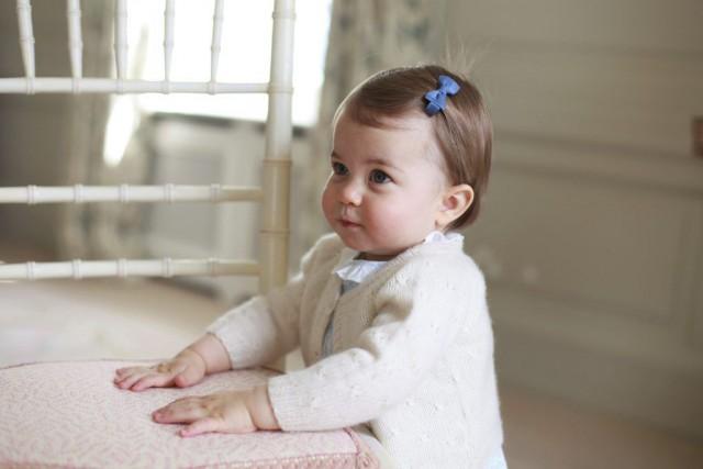 La princesse Charlotte célèbrera son premier anniversaire lundi.... (PHOTO REUTERS/FOURNIE PAR LE PALAIS DE KENSINGTON)