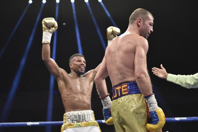 Même Bute a senti que la victoire lui... (AFP, David Tulis)