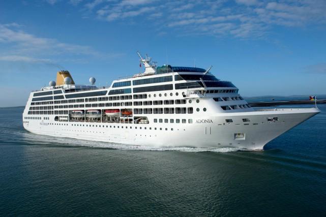 Le navire de croisièreAdonia... (PHOTO AP/FOURNIE PAR CARNIVAL)