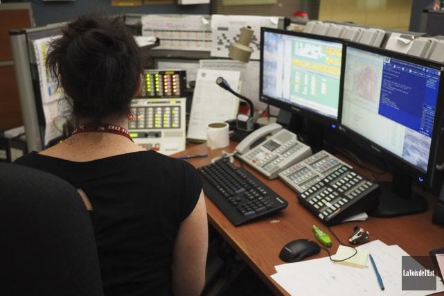 Les appels non fondés au 911 représentent entre... (Archives La Voix de l'Est)
