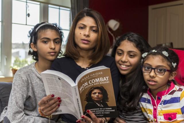 La femme de Raïf Badawi, Ensaf Haidar, et... (Spectre média, Marie-Lou Béland)