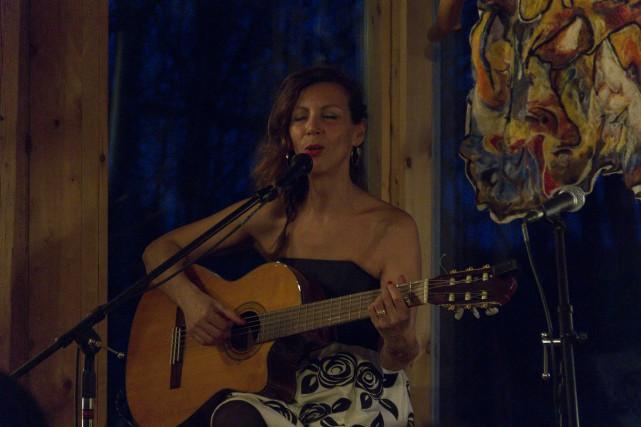 La chanteuse d'origine brésilienne Bïa a rempli de... (Spectre média, Marie-Lou Béland)