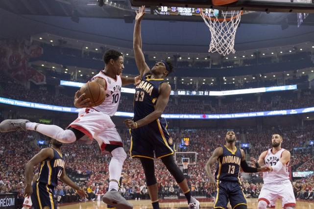 DeMar DeRozan a inscrit 30 points et les Raptors de Toronto ont défait les... (La Presse Canadienne)