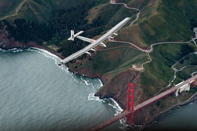 Piloté par le Suisse André Borschberg, l'avion solaire... (Photo Jean Revillard, Solar Impulse via REUTERS)