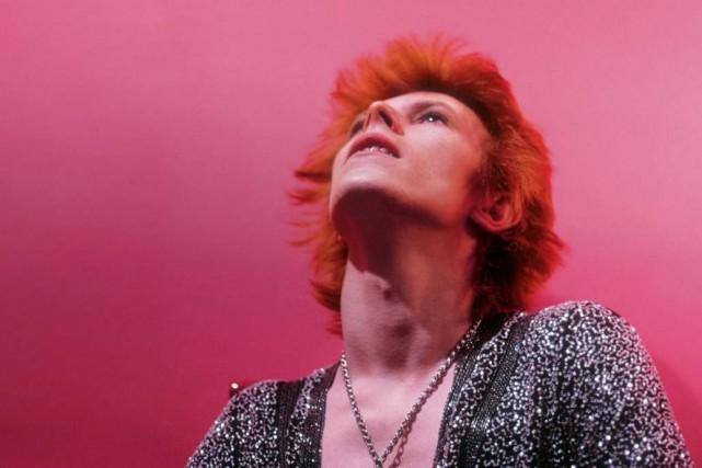 David Bowie photographié en mars 1972, chez luià... (PHOTO TIRÉE DU LIVRE THE RISE OF DAVID BOWIE)