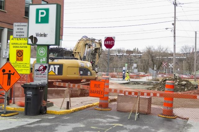 La Ville de Sherbrooke a entrepris des travaux majeurs au stationnement Webster... (Spectre Média, Marie-Lou Béland)
