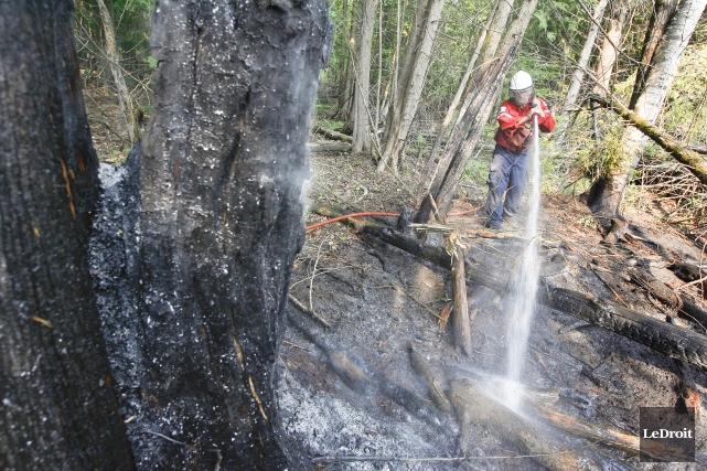 La Société de protection des forêts contre le feu (SOPFEU) et les pompiers... (Archives Le Droit)