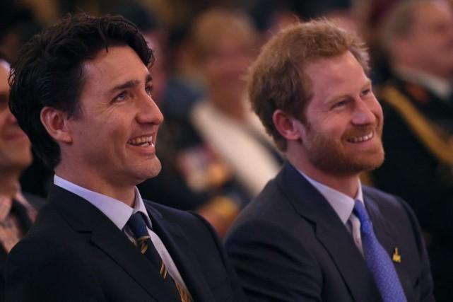 Justin Trudeau et le prince Harry.... (Photo Nathan Denette, La Presse Canadienne)