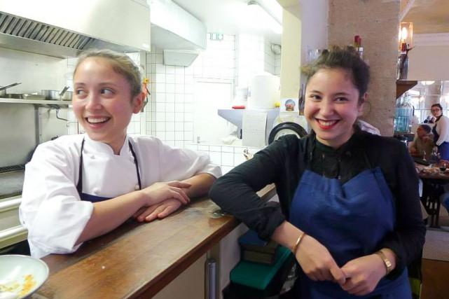 La chef Tatiana Levha (àgauche) et la sommelière... (PHOTO TIRÉE DE FACEBOOK)