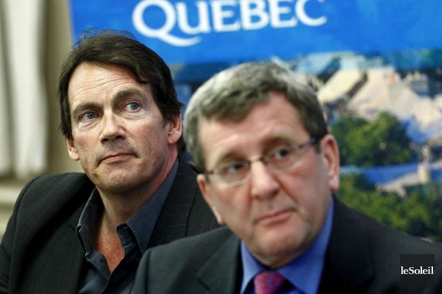 Pierre Karl Péladeau et Régis Labeaume en mars... (Photothèque Le Soleil, Yan Doublet)