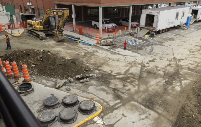 Les travaux au stationnement Webster du centre-ville de... (Spectre Média, Marie-Lou Béland)