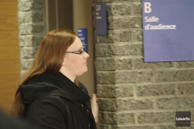 Véronique Lalonde est accusée de voies de fait... (La Voix de l'Est)