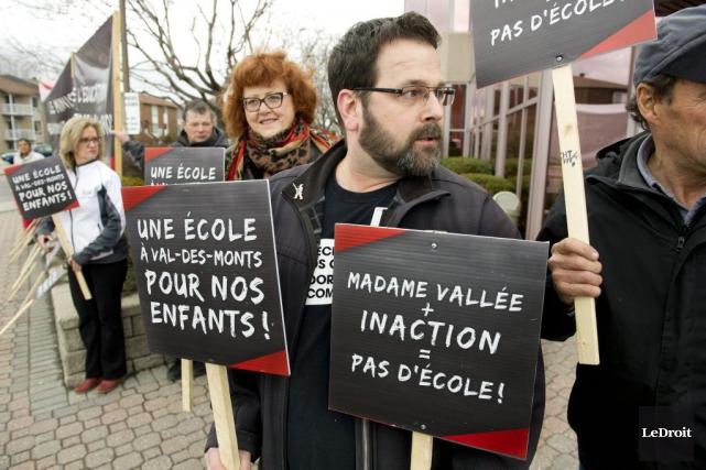 Des manifestants ont fait connaître une fois de... (Martin Roy, LeDroit)