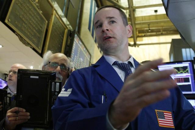Désormais, Wall Street baisse «dans le sillage des... (PHOTO BRENDAN MCDERMID, REUTERS)