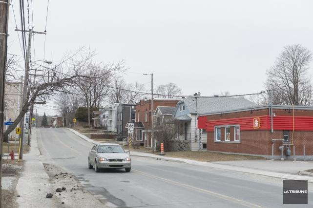 Le Service de police de Sherbrooke a reçu plusieurs appels de citoyens à la... (Archives La Tribune, Frédéric Côté)