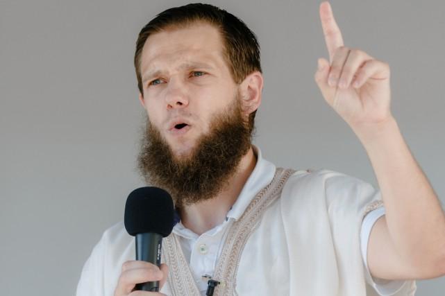 Dans une vidéo, Sven Lau, un Allemand converti,... (PHOTO MARKUS SCHOLZ, ARCHIVES AFP/DPA)