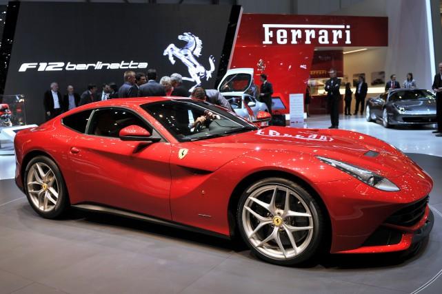 Une Ferrari F12 peu de temps après son... (Photo AFP)