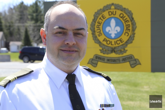Le nouveau directeur du poste de la Sûreté... (Janick Marois, La Voix de l'Est)