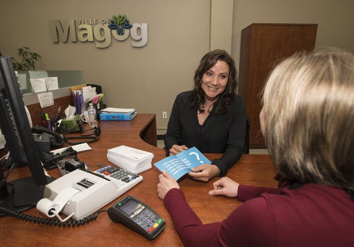 Maryse Gagnon est commis aux services aux citoyens... (Spectre Média Jessica Garneau)