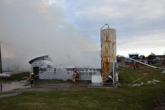 650 porcs ont perdu la vie dans l'incendie de la porcherie Ray-Veille survenu... (Photo collaboration spéciale Éric Beaupré)
