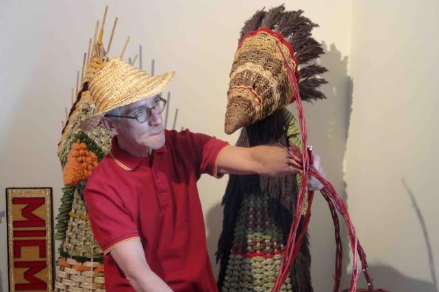 Yves Mireault confectionne des sculptures inusitées.... (Sophie Dauphin)