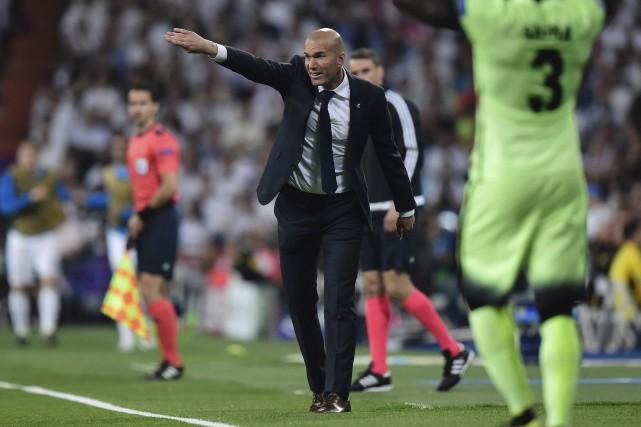 Zinédine Zidane n'a pas ménagé ses efforts mercredi... (AFP, Javier Soriano)