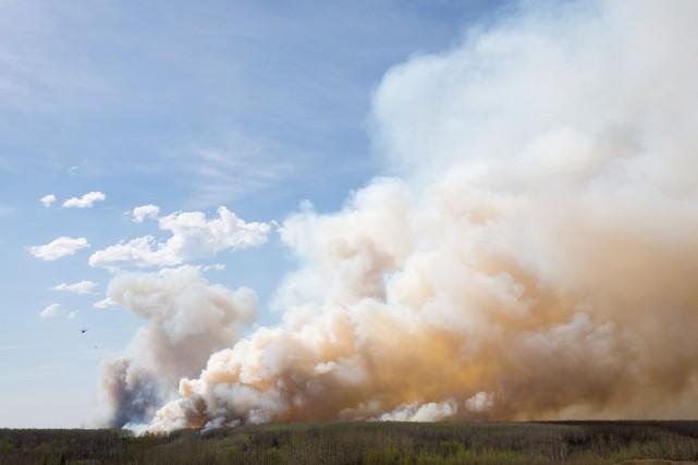 Avec les violents incendies qui font rage dans... (PhotoTopher Seguin, Reuters)