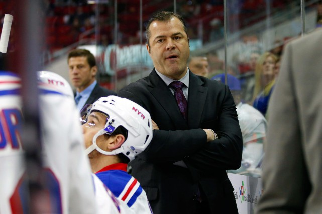 Alain Vigneault sera de retour à la barre... (Photo James Guillory, archives USA TODAY Sports)
