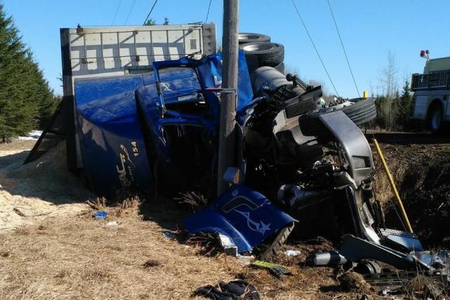 Un camionneur a subi des blessures graves lors... ((Courtoisie))