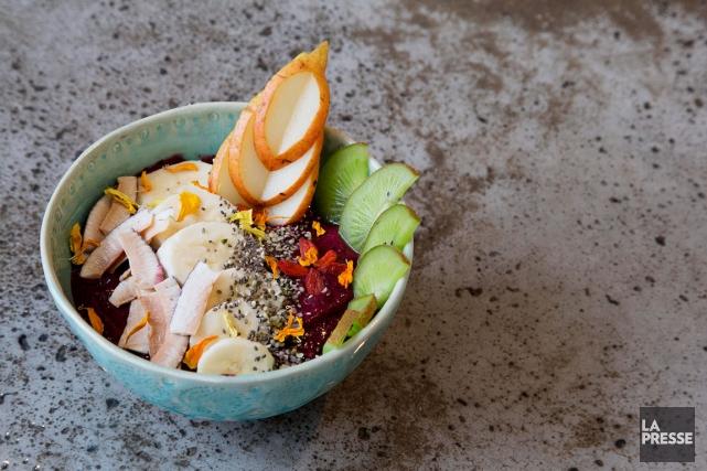 Les couleurs appétissantes des bols d'açaï en font... (PHOTO ALAIN ROBERGE, LA PRESSE)