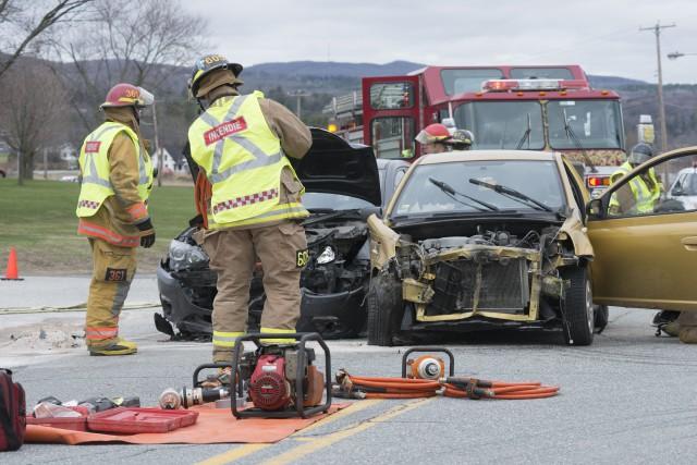 Un accident impliquant un camion et deux voitures s'est produit jeudi matin... (Spectre Média, Julien Chamberland)