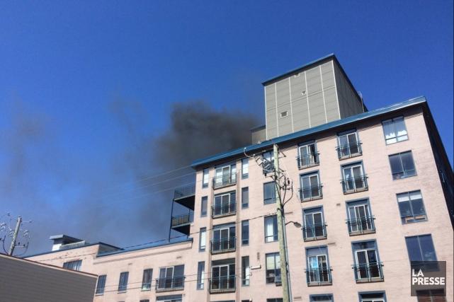 Le 274, rue du Parvis... (Fil Twitter des pompiers de Québec)