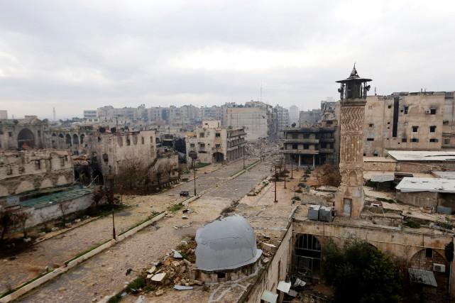 Une vue générale d'Alep, en Syrie.... (PHOTO HOSAM KATAN, ARCHIVES REUTERS)
