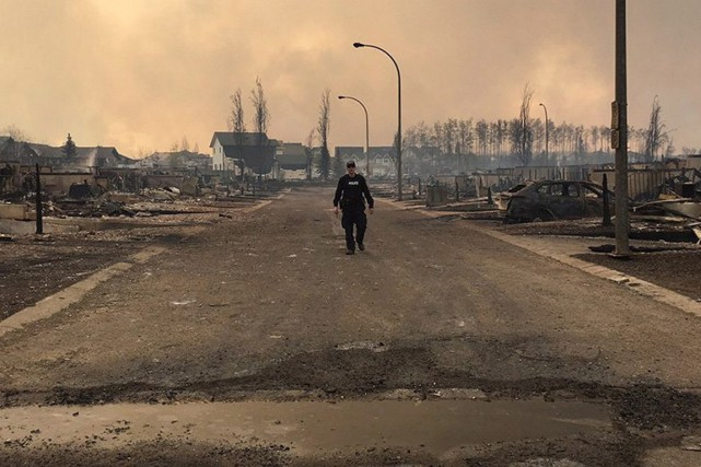 C'est la désolation à Fort McMurray.... (La Presse Canadienne)