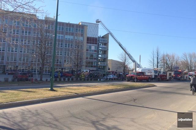 Les pompiers ont été dépêchés à l'hôpital de... (Archives Le Quotidien, Louis Potvin))