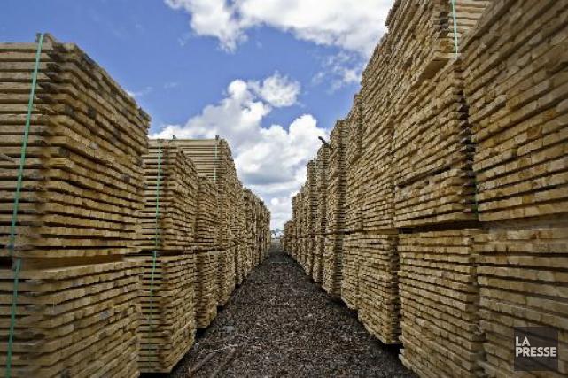 Bien qu'elles souhaitent un nouvel accord sur le bois d'oeuvre avec les... (Photo Patrick Sanfaçon, archives La Presse)